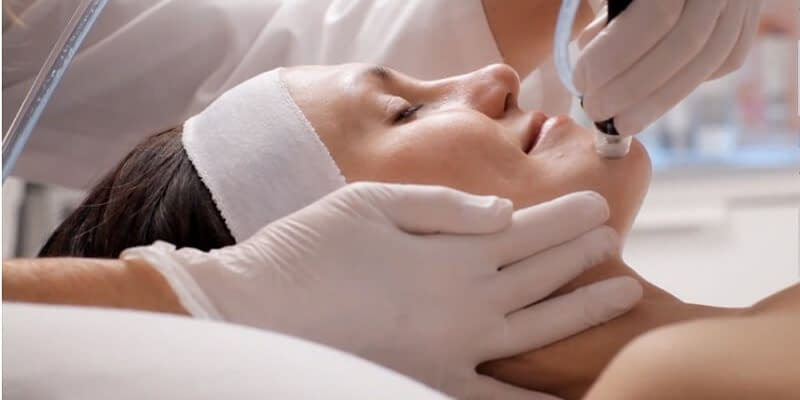 Breaking the skin barrier: why exfoliating is necessary for healthy skin. - Plastic surgery - Exfoliation